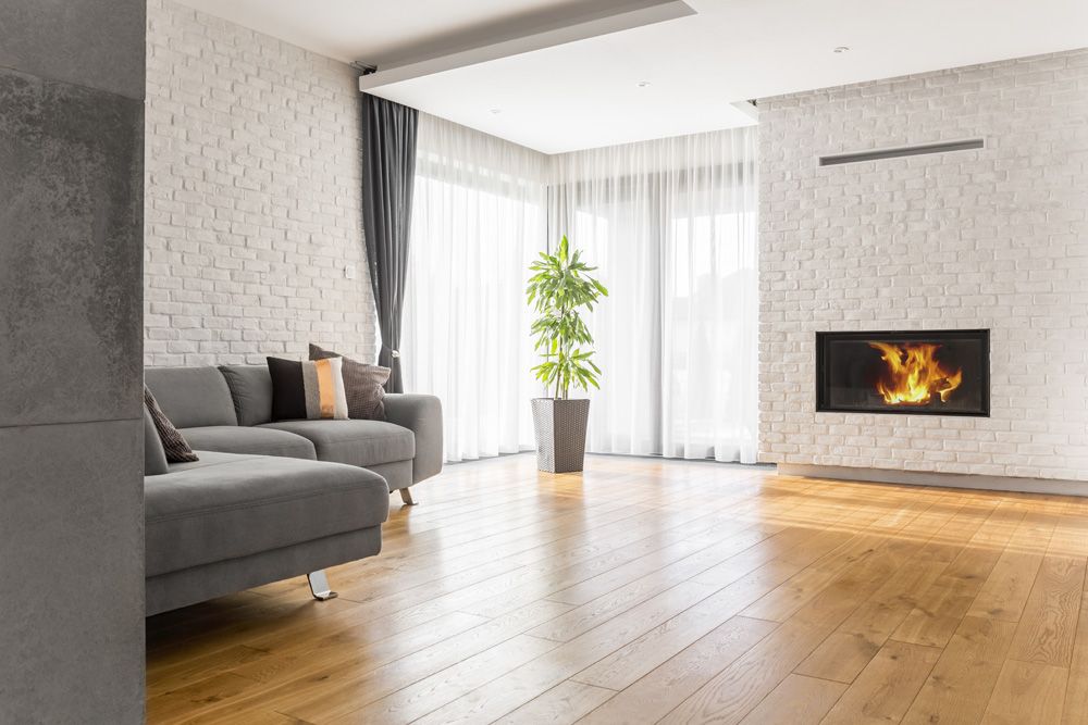 Φωτό living room with wood flooring PU62LS7
